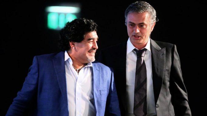 Diego Maradona ternyata punya kebiasaan menghubungi Jose Mourinho saat tim asuhannya kalah telak.