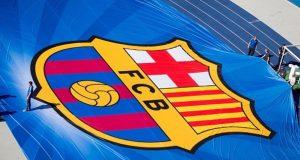 Logo Barcelona dalam ukuran besar jelang final Liga Champions antara Barcelona melawan Juventus di Berlin, 6 Juni 2015