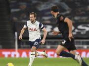 Penyerang Tottenham Hotspur, Harry Kane menggiring bola saat bertanding melawan Tottenham Hotspur pada pertandingan lanjutan Liga Inggris di Stadion Tottenham Hotspur di London, Inggris, Sabtu (21/11/2020). Tottenham menang atas City 2-0.