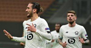 Gelandang Lille, Yazici Yusuf, merayakan gol yang dicetak Yusuf Yazici ke gawang AC Milan pada laga lanjutan Liga Europa 2020/2021 di Stadion San Siro, Jumat (6/11/2020) dini hari WIB. AC Milan kalah 0-3 oleh Lille