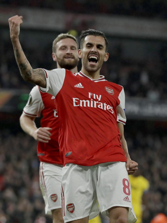 Gelandang Arsenal, Dani Ceballos berselebrasi usai mencetak gol ke gawang Standard Liege pada lanjutan pertandingan grup F Liga Europa di Stadion Emirates, London (3/10/2019). Arsenal menang telak 4-0 atas Standard Liege