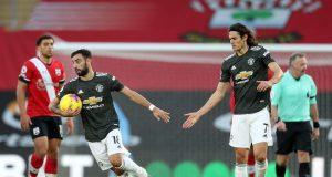Dua pemain Manchester United, Bruno Fernandes dan Edinson Cavani, berhasil menyelamatkan timnya dari kekalahan saat menghadapi Southampton. Manchester United berhasil menang 2-2 di markas Southampton meski sempat tertinggal lebih dulu, Minggu