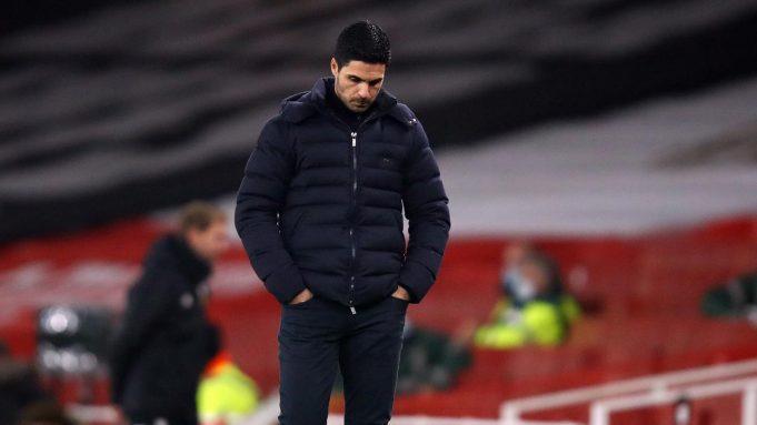 Pelatih Arsenal, Mikel Arteta tampak kecewa dalam laga lanjutan Liga Inggris 2020/21 pekan ke-9 melawan Wolverhampton Wanderers di Emirates Stadium, London, Minggu (29/11/2020) waktu setempat. Arsenal tumbang 1-2 dari Wolverhampton.